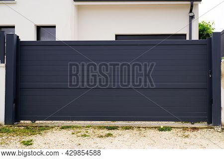 Modern Gray Slide Gate Aluminum Portal Outdoor Suburbs House Street