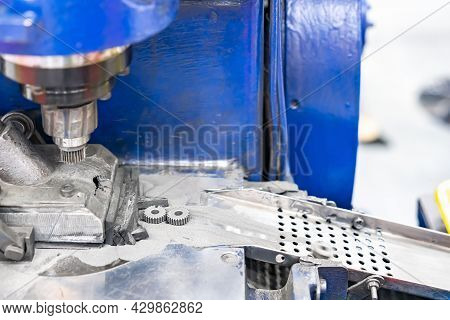 Punch Die Cavity With Feeding Module Device Of Machine Powder Sinter Metal Presses Forming For Manuf