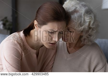 Loving Old Mother Support Unhappy Adult Daughter