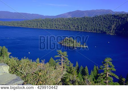 Picturesque Autumn Overlook Of Lake Tahoe/emerald Bay And Historic Fannette Island, Along The Califo