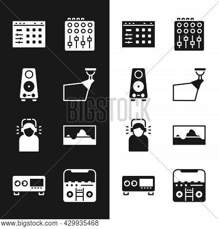 Set Movie Spotlight, Stereo Speaker, Drum Machine, Sound Mixer Controller, Man Headphones, Music Wav