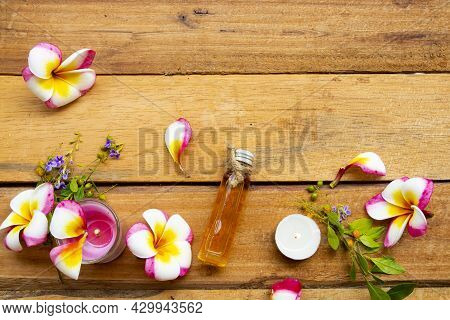 Natural Herbal Oils With Scented Candle Extract Flowers Frangipani Aroma Therary Local Of Asia Arran