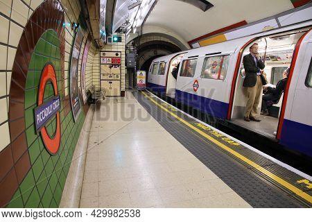 London, Uk - May 14, 2012: Piccadilly Circus Underground Station In London. London Underground Is Th