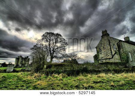 Beautifull Ireland - Hounted House