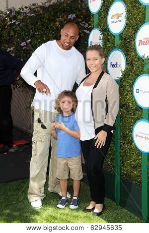 LOS ANGELES - APR 5:  Hank Baskett, Hank Baskett IV, Kendra Wilkinson at the Safe Kids Day Los Angeles 2014 at The Lot on April 5, 2014 in Wesst Hollywood, CA
