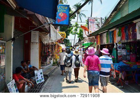 Krabi,thailand - April 14, 2014: The Tourist Visit Small Touristic Village At Phi Phi Island, Krabi,