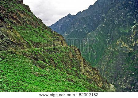 Leaping Tiger Gorge, Yunnan, China
