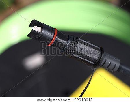 Single fiber optic outdoor connector