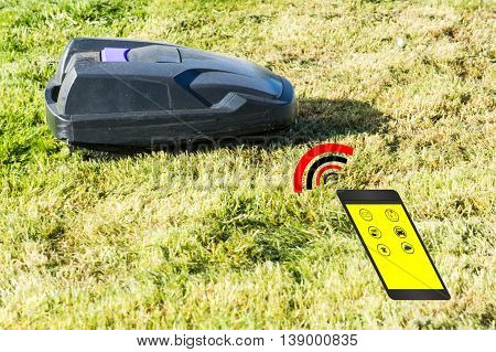 Lawnmower robot Automatic lawnmower control via smartphone.