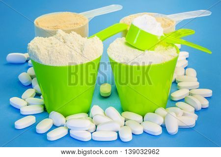 Four scoops with pure whey protein ,creatine,magnesium tablets and pea protein