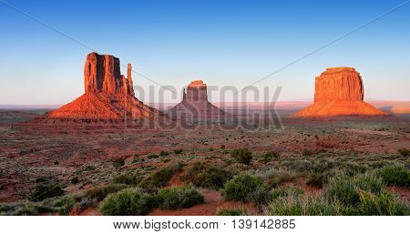 Monument Valley Sunset. Arizona - Utah, USA.