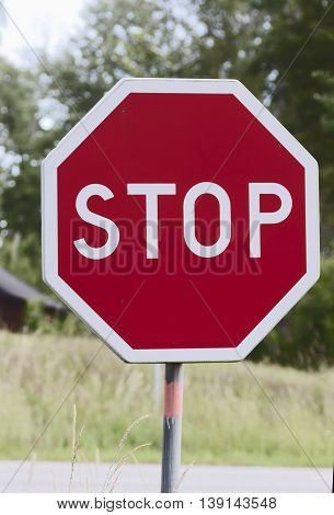 traffic sign indicating that you must come to a full stop