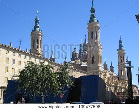 Catedral- Basílica del Pilar.  .Hermosa Basílca  e importante. Zaragoza, España.