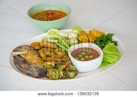 Shrimp Paste With Fried Mackerel And Vegetable