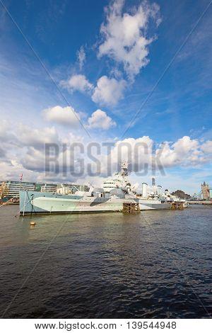 London, HMS Belfast on the pier