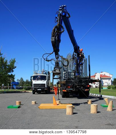 competition precision industrial manipulator for the loggers