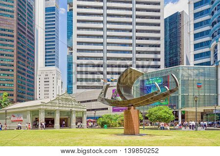Ship Sculpture Near One Raffles Place Mrt Subway Entrance