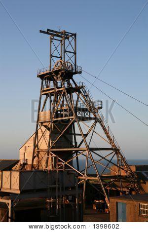 Cínový důl