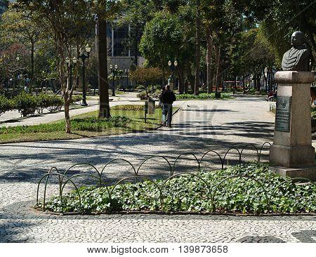 daytime photography public square sun in Curitiba