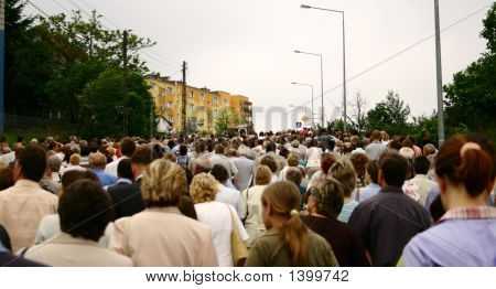 Walking Crowd