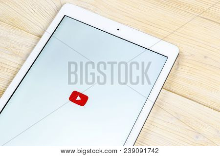 Sankt-petersburg, Russia, April 2, 2018: Youtube Application Icon On Apple Ipad Smartphone Screen Cl