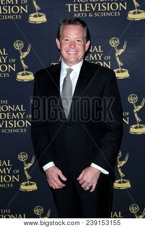 PASADENA - APR 27: Steve Spangler at the 45th Daytime Creative Arts Emmy Awards Gala at the Pasadena Civic Center on April 27, 2018 in Pasadena, California