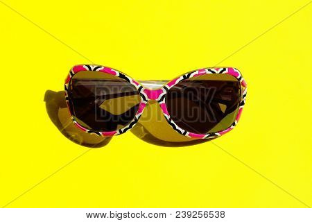 Fashion Sunglasses In Colorful Frame.studio Shot Of Colorful Sunglasses. Summer Is Coming Soon. Trav
