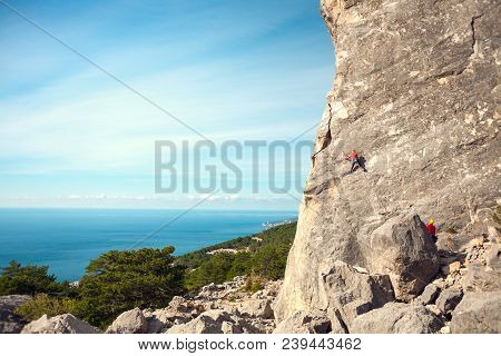 Training Rock Climbers In Nature.