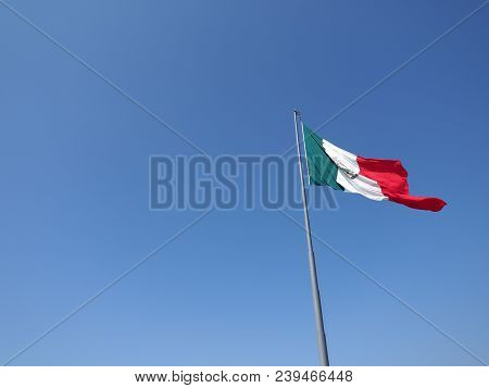 National Flag Of Mexico On Mast On Clear Blue Sky On Beach At Acapulco City In Mexico In 2018 Warm S