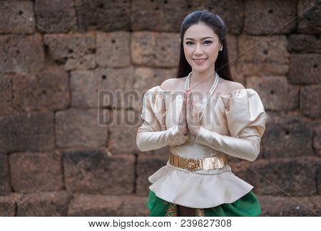 Beautiful Woman In Thai Traditional Dress Is Pay Respect
