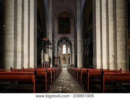 Arles, France - June 27, 2017: Main Nave And Altar In Saint Trophime Cathedral In Arles, France. Bou