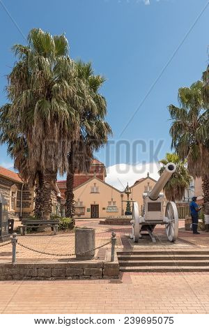 Ladysmith, South Africa - March 21, 2018: The Siege Museum And A Cannon From The Anglo Boer War, In