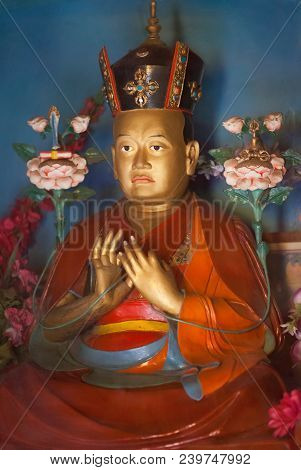 The Figurine Of 16th Karmapa In The Form Of Avalokiteshvara Bodhisattva, With The Hands In The Posit
