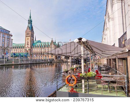 Town Hall In Hamburg City, Lake Binnenalster, Street Cafe, Historical Center, Historical Center, Ger