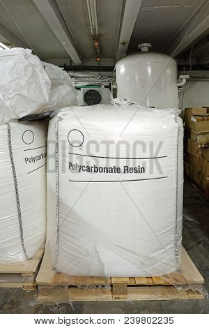 Polycarbonate Resing Raw Material In Bulk Sack