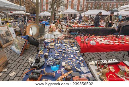 Brussels, Belgium - Apr 3: Marketplace On Flea Market With Old Art, Bargains And Antique Stuff, Vint