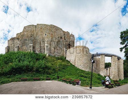 Targu Neamt, Romania - September 5, 2017: Unknown Man Offers Tourists To Look At The Fortress From O