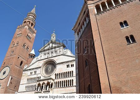 View Of The Facade Of The Majestic Cathedral Of Cremona - Cremona - Lombardy - Italy