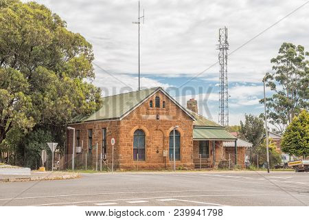 Dundee, South Africa - March 21, 2018: A Street Scene With The Original Court House In Dundee In The