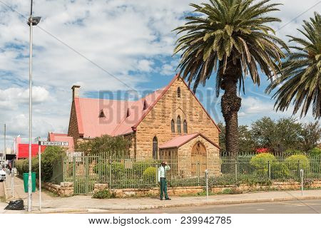 Dundee, South Africa - March 21, 2018: A Street Scene With The Trinity Presbyterian Church In Dundee