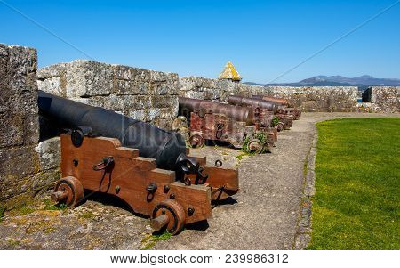 Baiona, Espanha - May 03, 2018 : Cannons Of Tenaza Tower, Pontevedra, Espanha