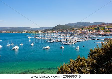 Baiona, Espanha - May 03, 2018 : From The Fortress We Have A Beautiful Panoramic View Of The Harbor