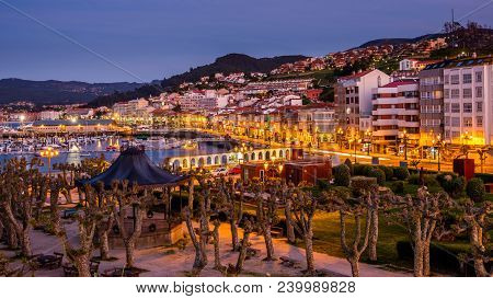Baiona, Espanha - May 03, 2018 : Arriving At Night In The City , Pontevedra, Espanha