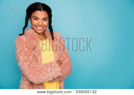 Close-up Profile Side View Portrait Of Nice Attractive Pretty Fashionable Cheerful Girl Folded Arms