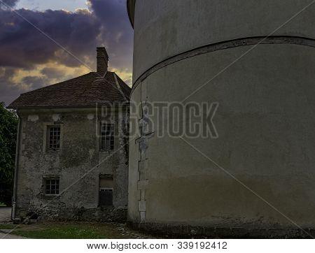 Coupvray, Seine-et-marne, Ile-de-france, France - May 25: Dramatic Sunrise Over Coupvray Castle (cha
