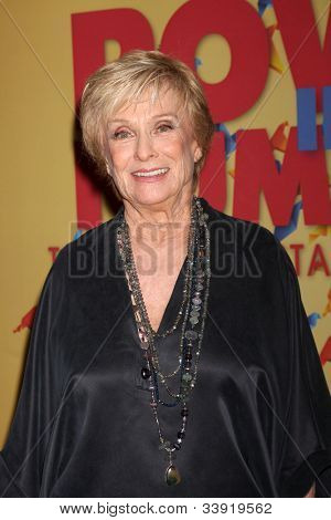 LOS ANGELES - JUN 12:  Cloris Leachman arrives at the City of Hope's Music And Entertainment Industry Group Honors Bob Pittman Event at Beverly Hilton Hotel on June 12, 2012 in Beverly Hills, CA