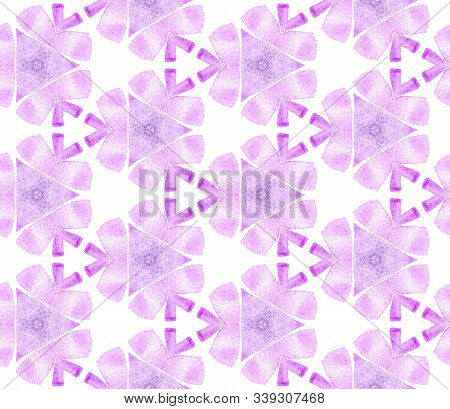 Violet Purple Vintage Seamless Pattern. Hand Drawn Watercolor Ornament. Resplendent Repeating Tile.
