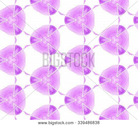 Violet Purple Vintage Retro Seamless Pattern. Hand Drawn Watercolor Ornament. Sublime Repeating Tile