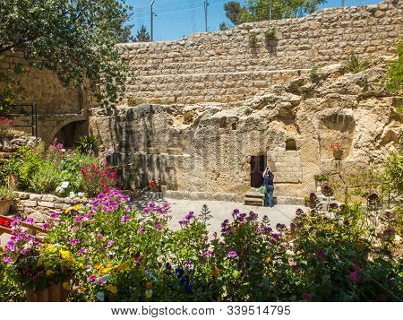 Jerusalem, Israel - May 12, 2017: The Garden Tomb, Entrance To The Tomb Cut Into The Rock. The Garde
