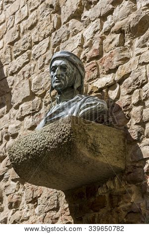 Florence, Italy - August 21, 2019: Bust Of The Italian Poet, Thinker And Theologian Dante Alighieri